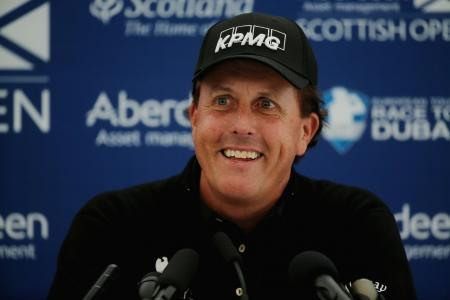 Phil Mickelson Drops Out Of World's Top 25