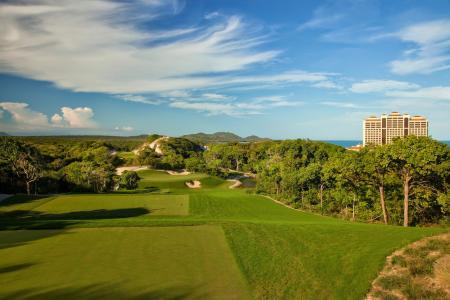 GolfPorn: The Bluffs Ho Tram Strip, Vietnam