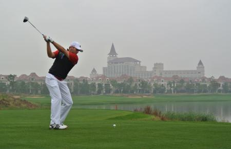 Sergio takes lead in BMW Masters
