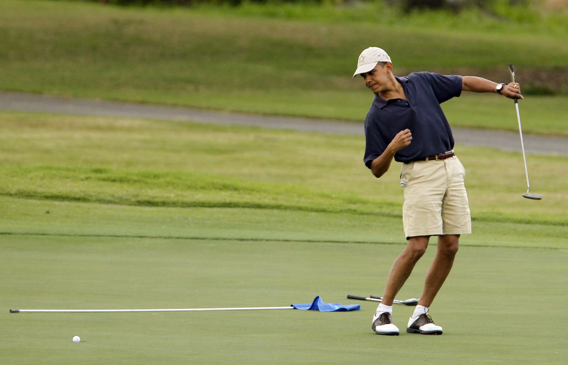 President Obama slots in a quick round of golf with David Cameron
