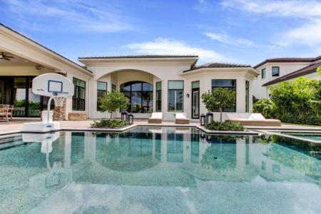 Dustin sells Florida pad