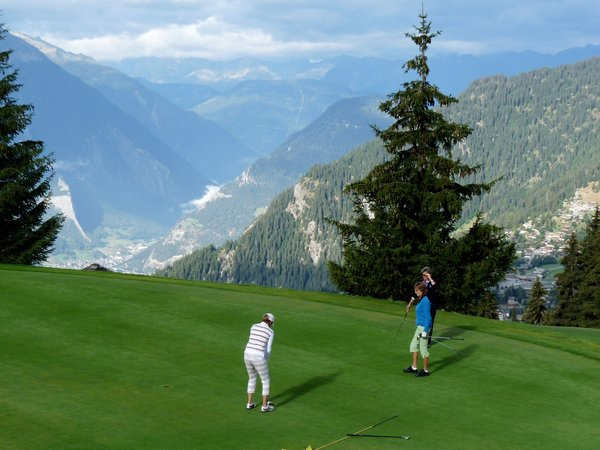 Swiss Roll: Golf in Switzerland