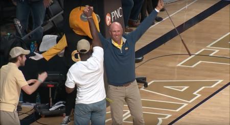 Stewart Cink's Massive Basketball Putt