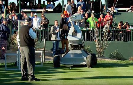 Robot Makes Hole in One