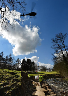 Golf club brings in helicopter to do the heavy lifting