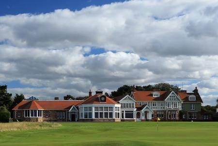 Voting opens at Muirfield