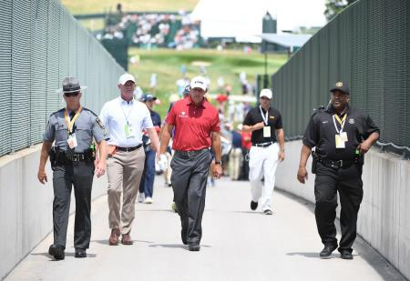 Phil Mickelson penalised for rules violation again