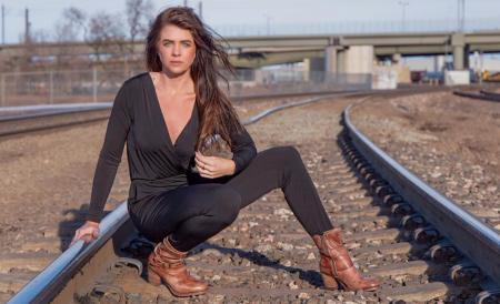 McKenzie O'Connell: Swingin' Siren