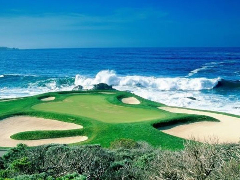 Lisbon Golf Coast booms