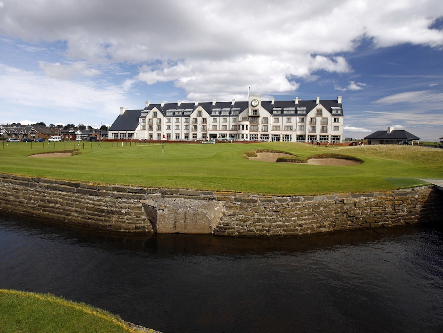Tommy Fleetwood takes Carnoustie apart