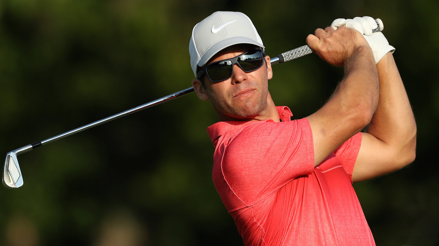 Is Paul Casey signing with Mizuno?