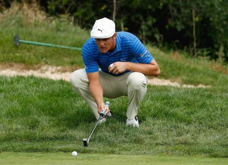 Bryson DeChambeau experimenting with side saddle putting