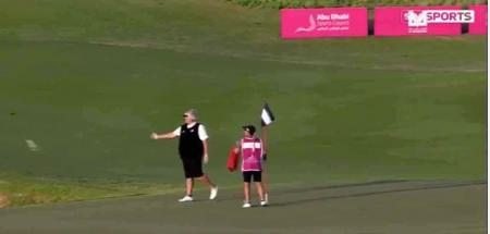 Dame Laura Davies goes putter chucking