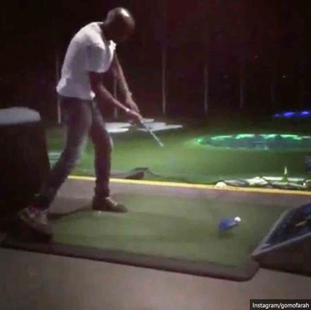Mo Farah does a Happy Gilmore