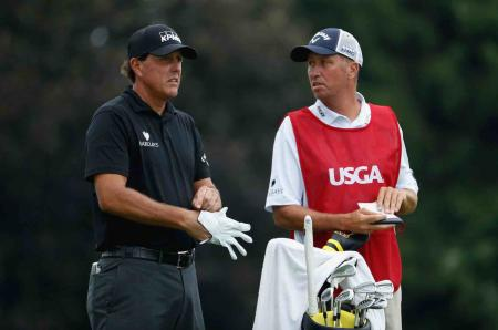 "Jim ""Bones"" Mackay gets two new knees"