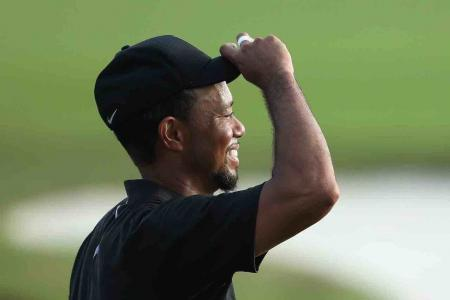 Tiger collapses after strong start