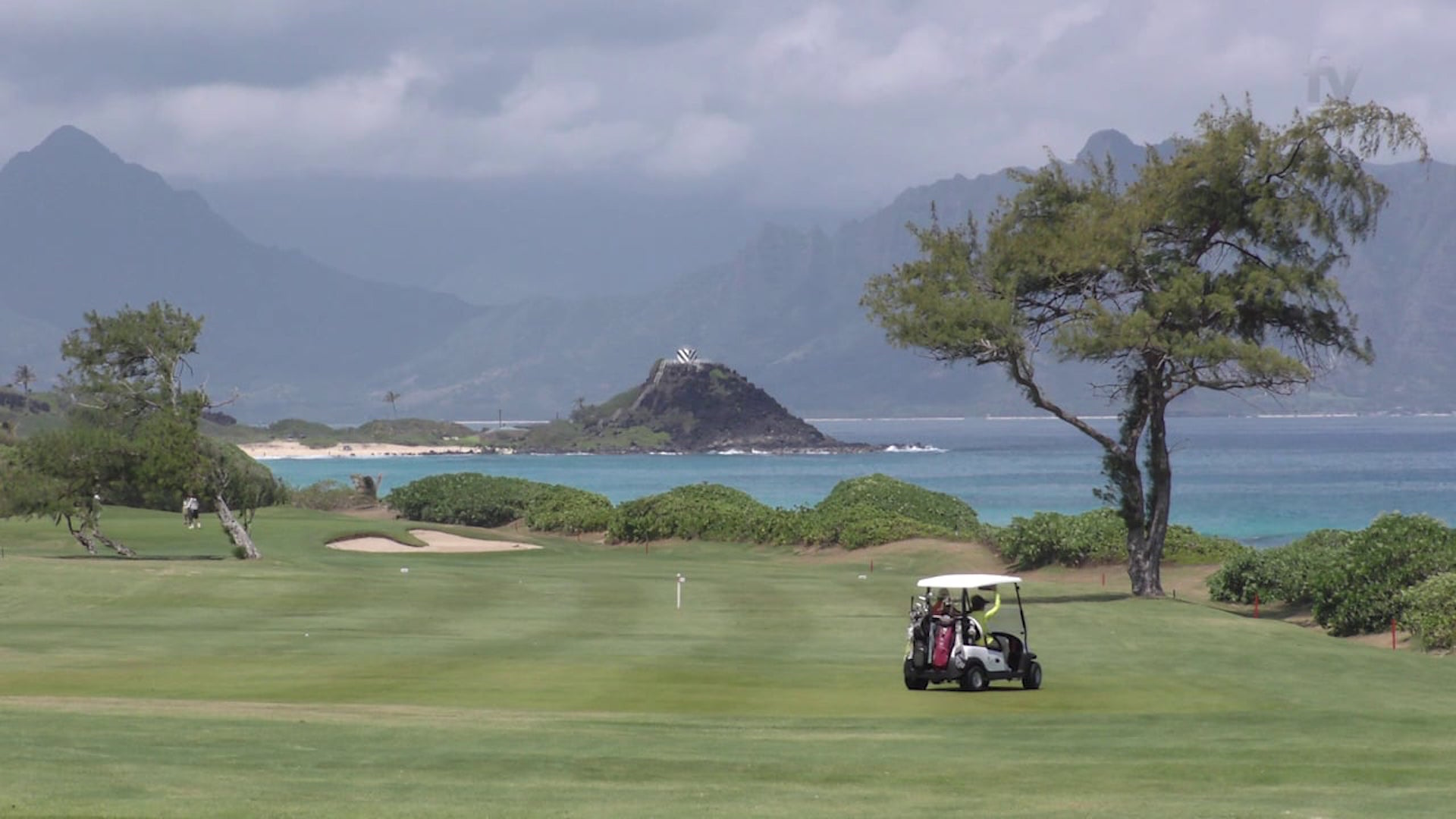 Obama lording it up on Hawaii golf course