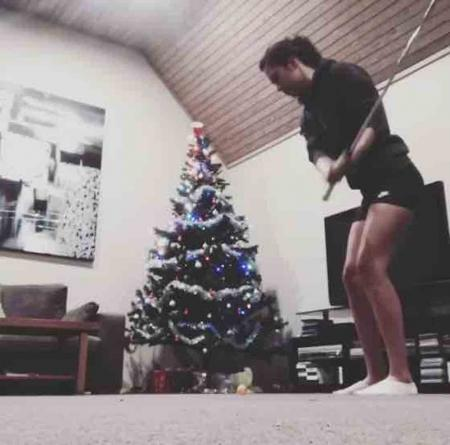 Christmas meets trick shot