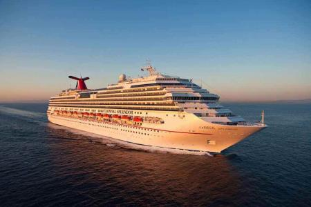 Cruise passenger sues over gruesome mini-golf injury