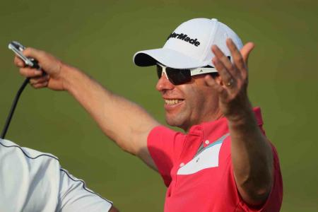 Bradly Dredge leads in Qatar