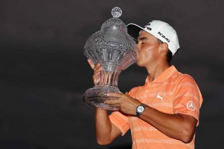Rickie Fowler gets the job done