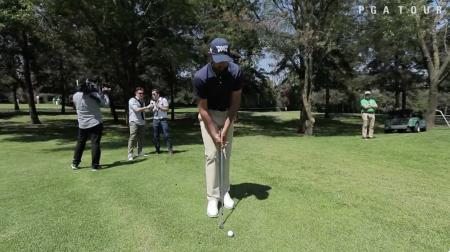 Mexican Futbol commentators take on golf