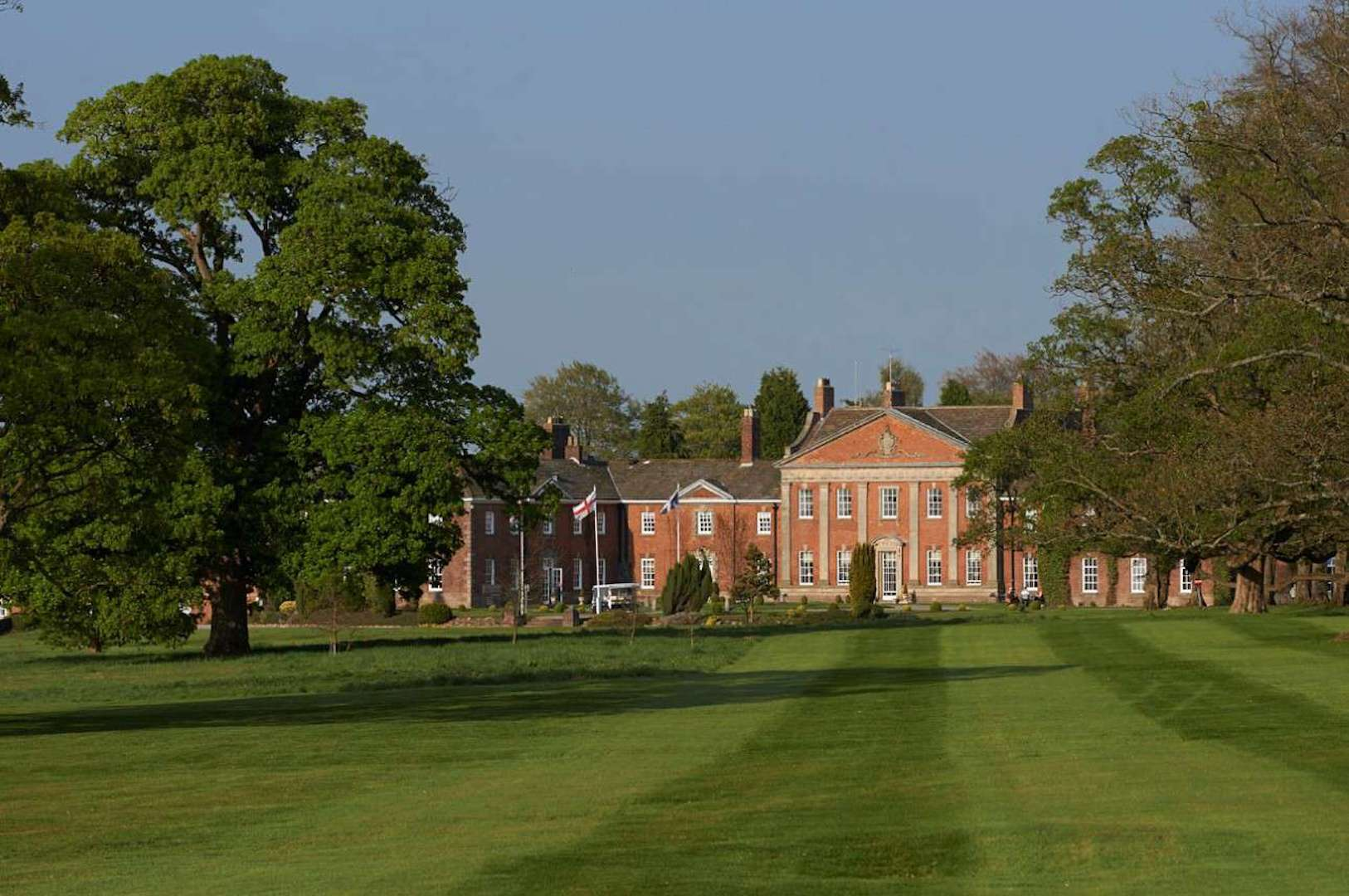 Free golf for juniors at Mottram Hall