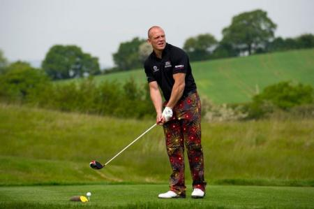 Mike Tindall to tee it up