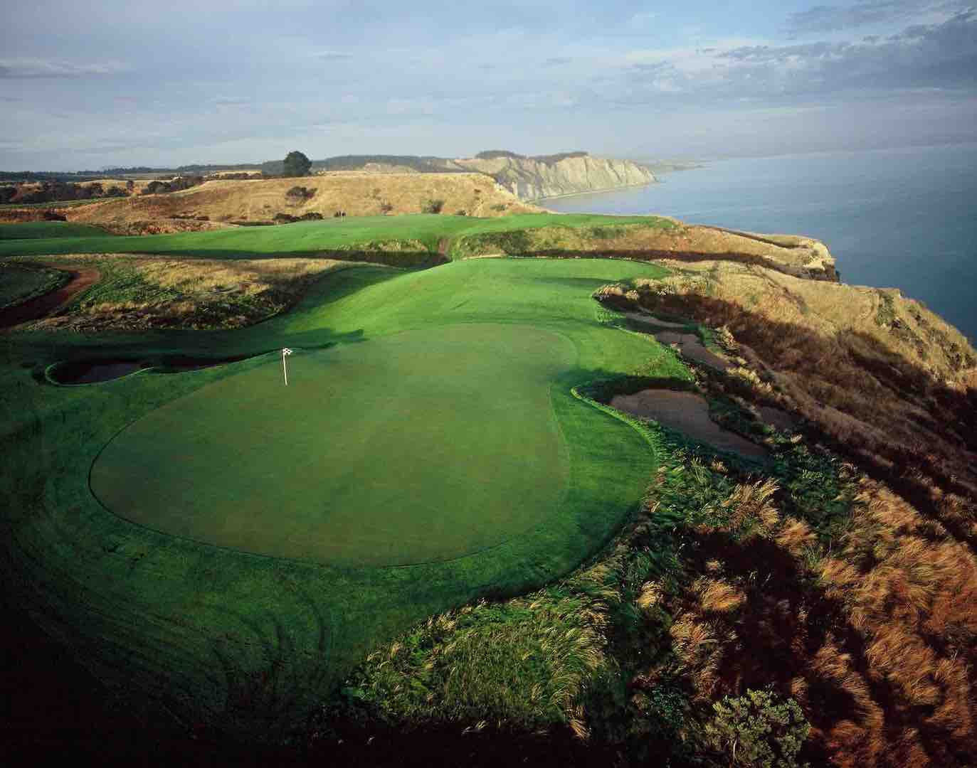 GolfPorn central - it's Cape Kidnappers