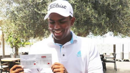 17–year–old amateur ties with golf record