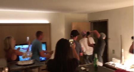Justin Thomas gets Champagne reception