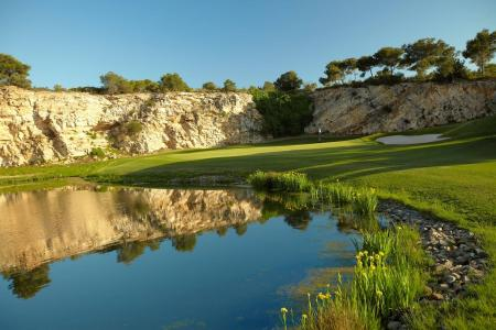 It's winter sun and golf time at Lumine
