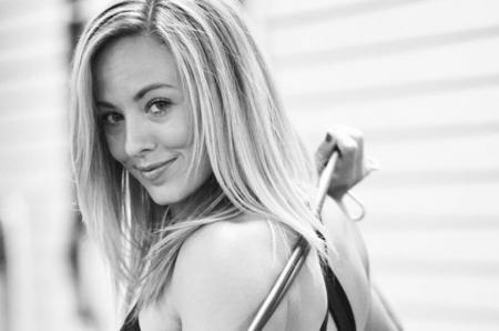 Swingin' Siren: Jessika Shelton