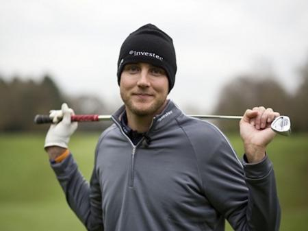 England cricketer Stuart Broad injured by golf ball in Australia