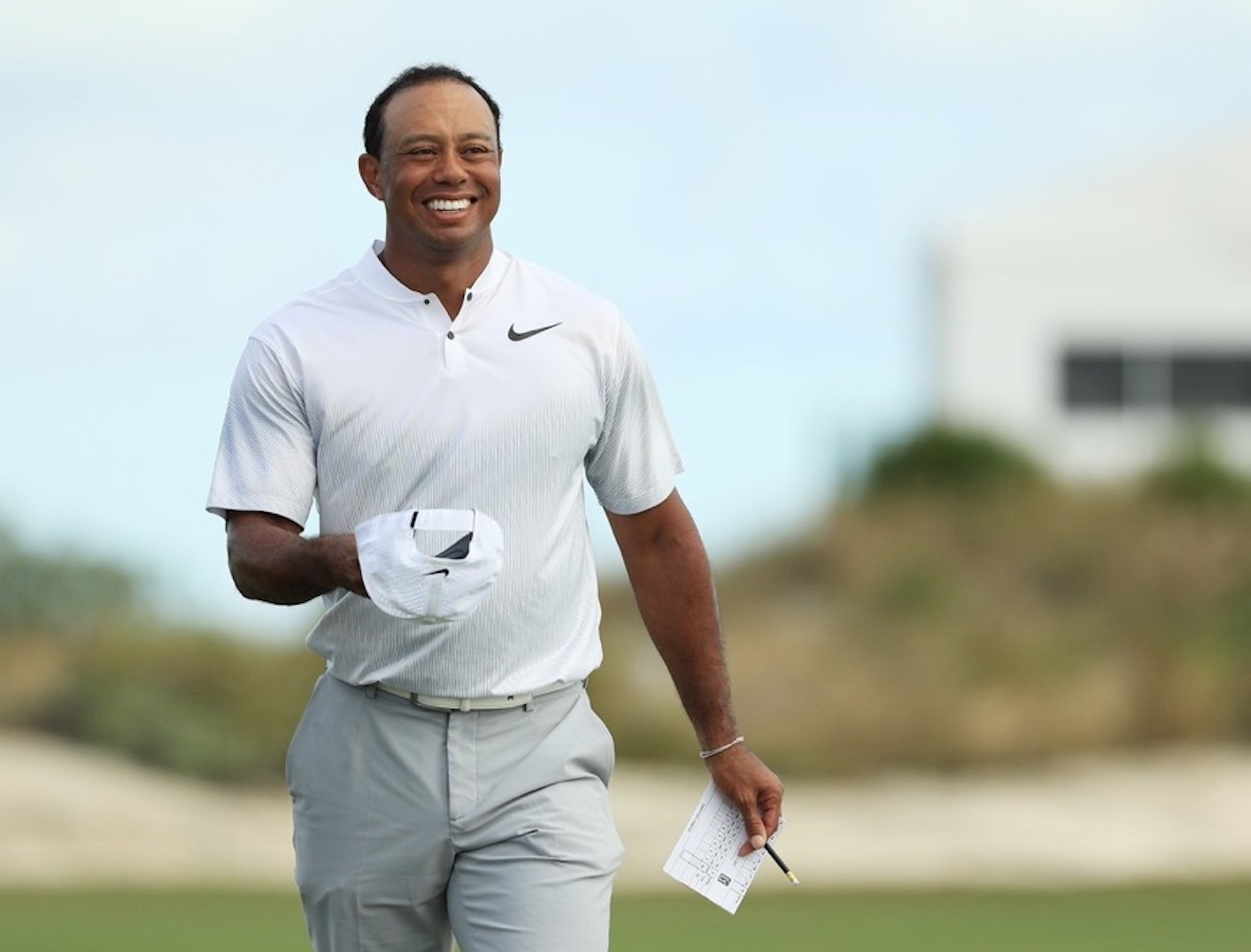 what has tiger woods being earning