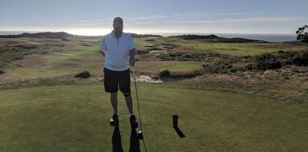 61-year-old grandfather becomes college golfer