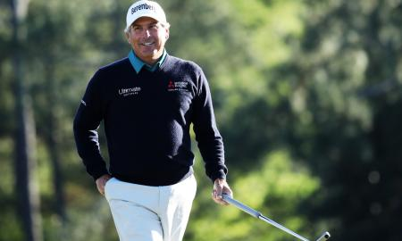 Fred Couples signs with Bettinardi