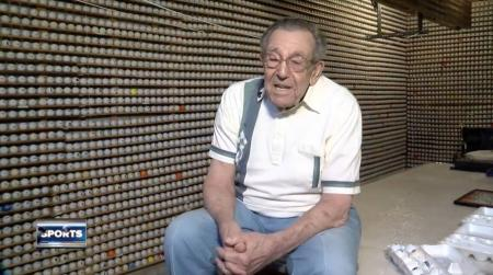 The man with the 15,000 golf ball collection