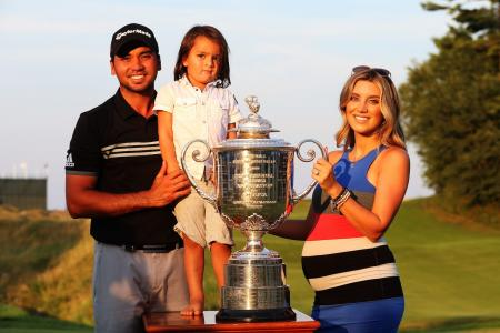 Jason Day's wife gets wiped out by Lebron James