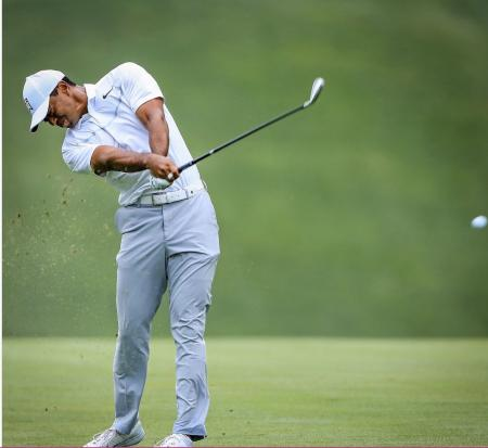 Tiger Woods switches to Graphite for driving iron