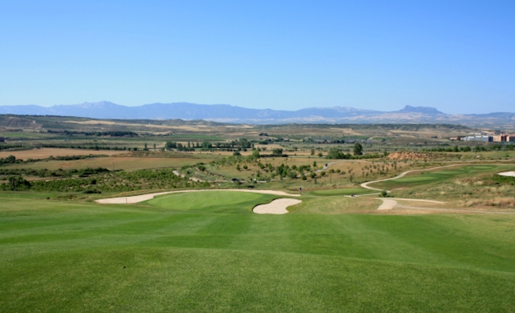 Fine Wine, Golf and Tapas - what's not to like?