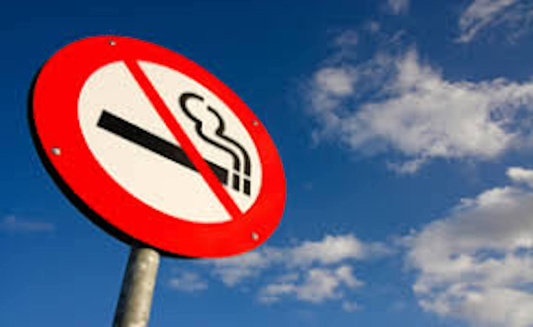 Golf courses ban smoking as heatwave takes its toll