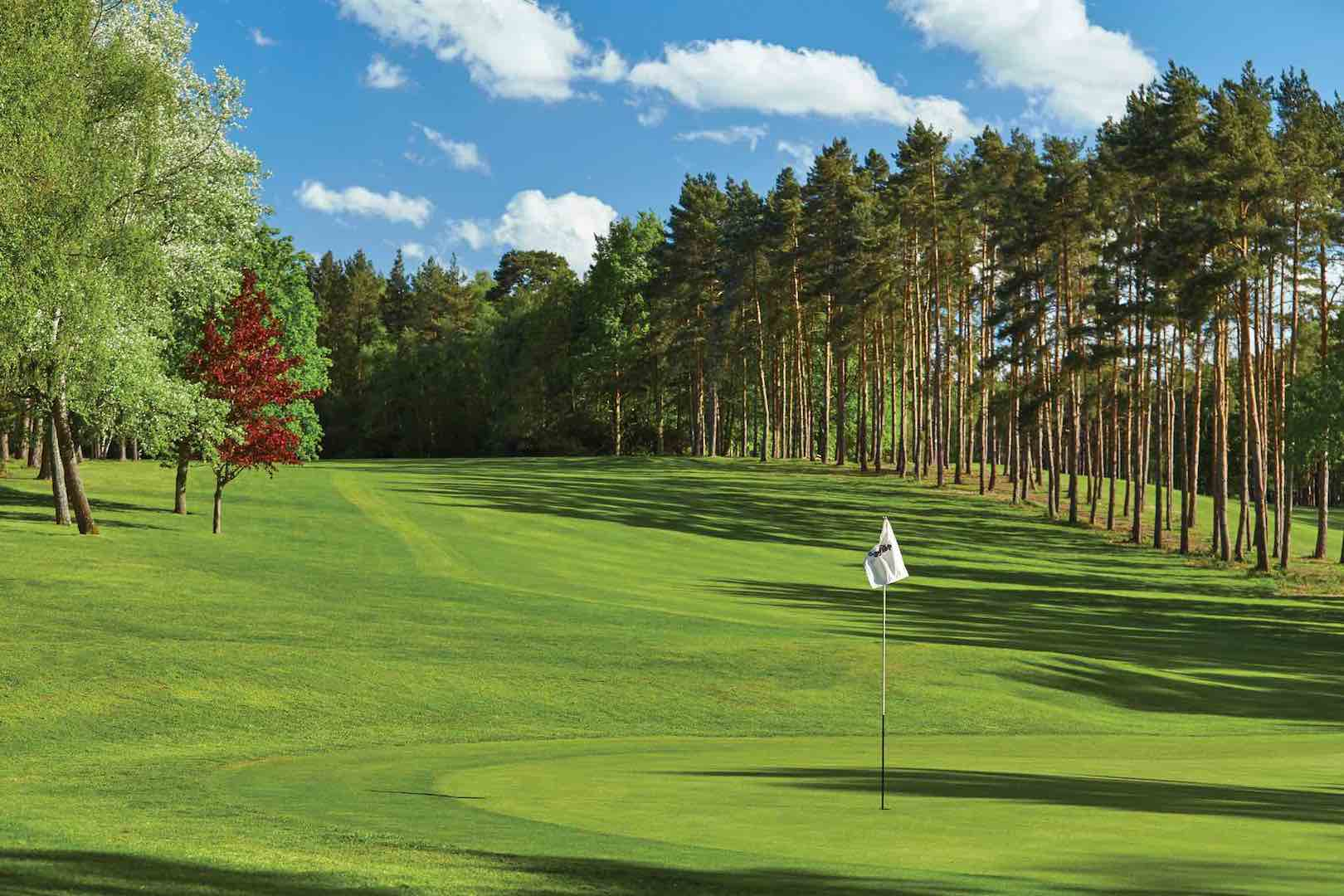 Foxhills offers free taster day to attract new players
