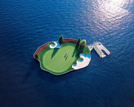 The floating green at Coeur d'Alene Golf Resort