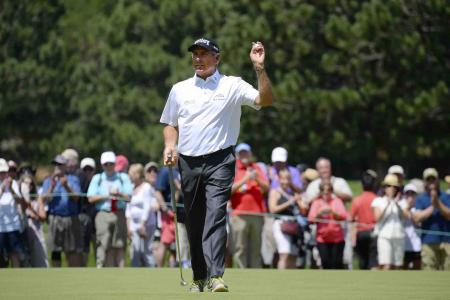 Fred Couples renews long standing relationship with ECCO