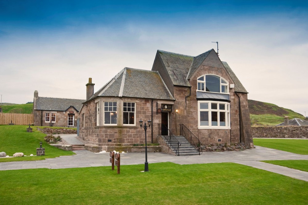 Machrihanish Golf Club house consumed by fire