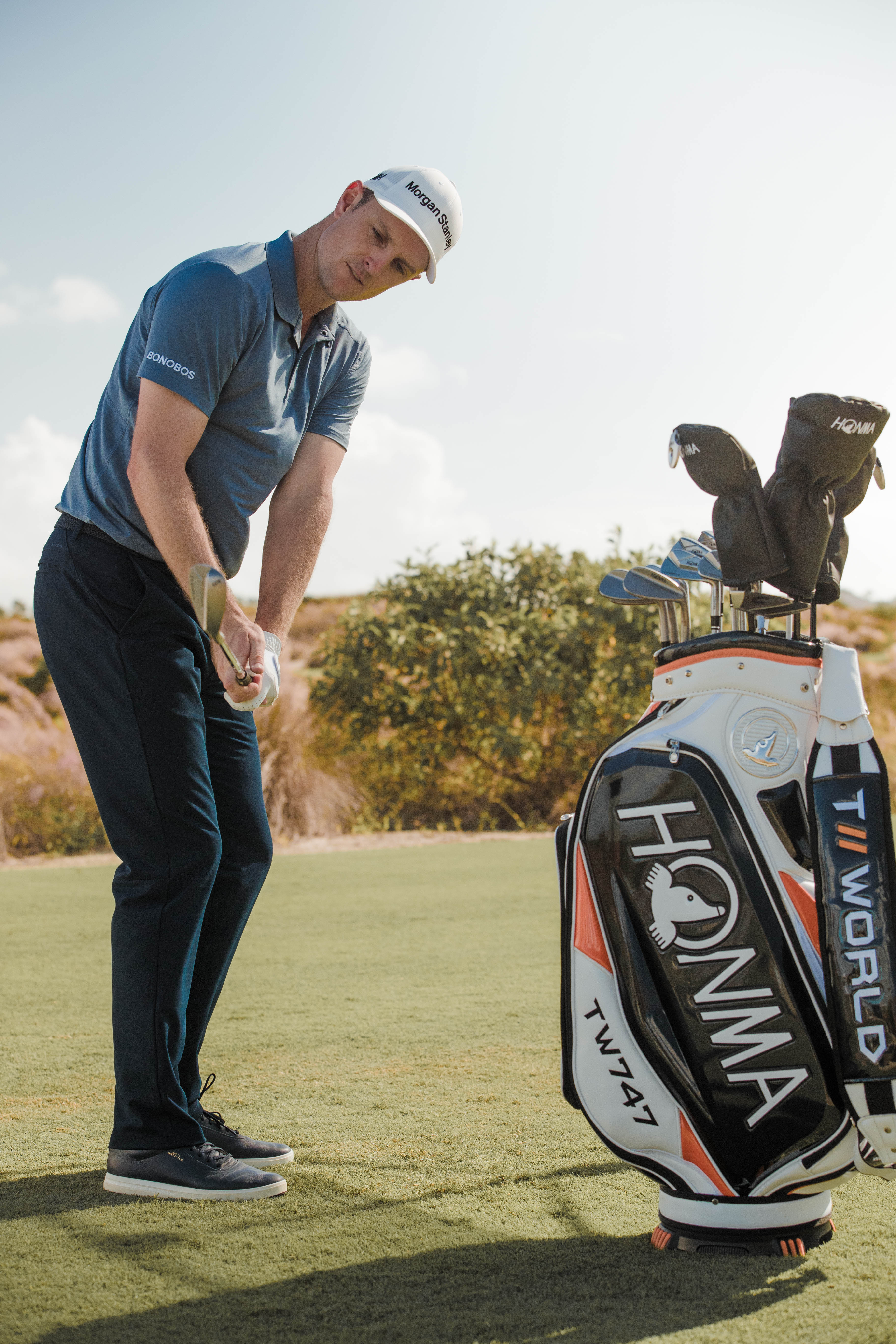 Justin Rose reinforces No 1 status with new Honma clubs
