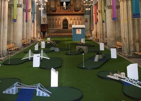 Mini golf cathedral