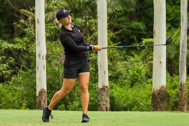 Amateur Stephanie Kyriacou leads at Bonville