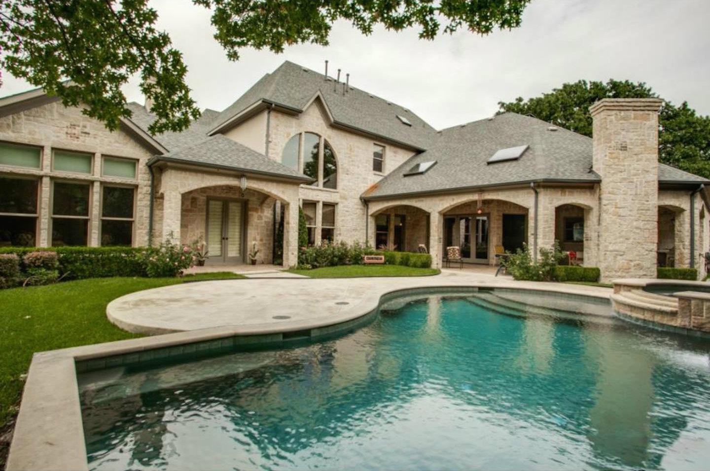What Jordan Spieth gets up to in his fancy house